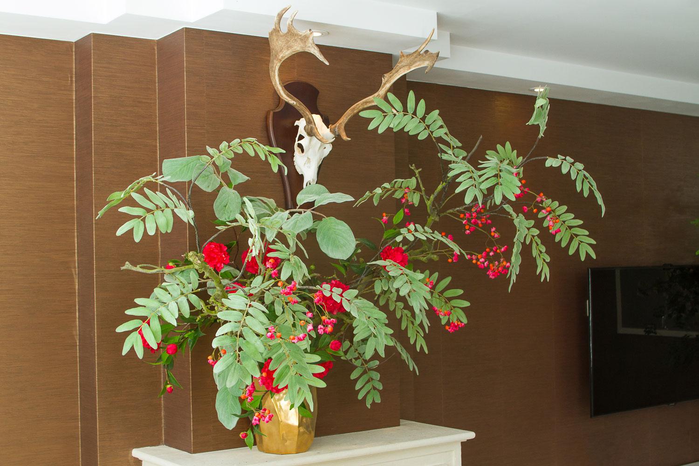 Zijden planten in de woonkamer